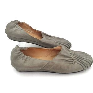 Chocolat Blu Tuck N Roll Leather Flats Size 7
